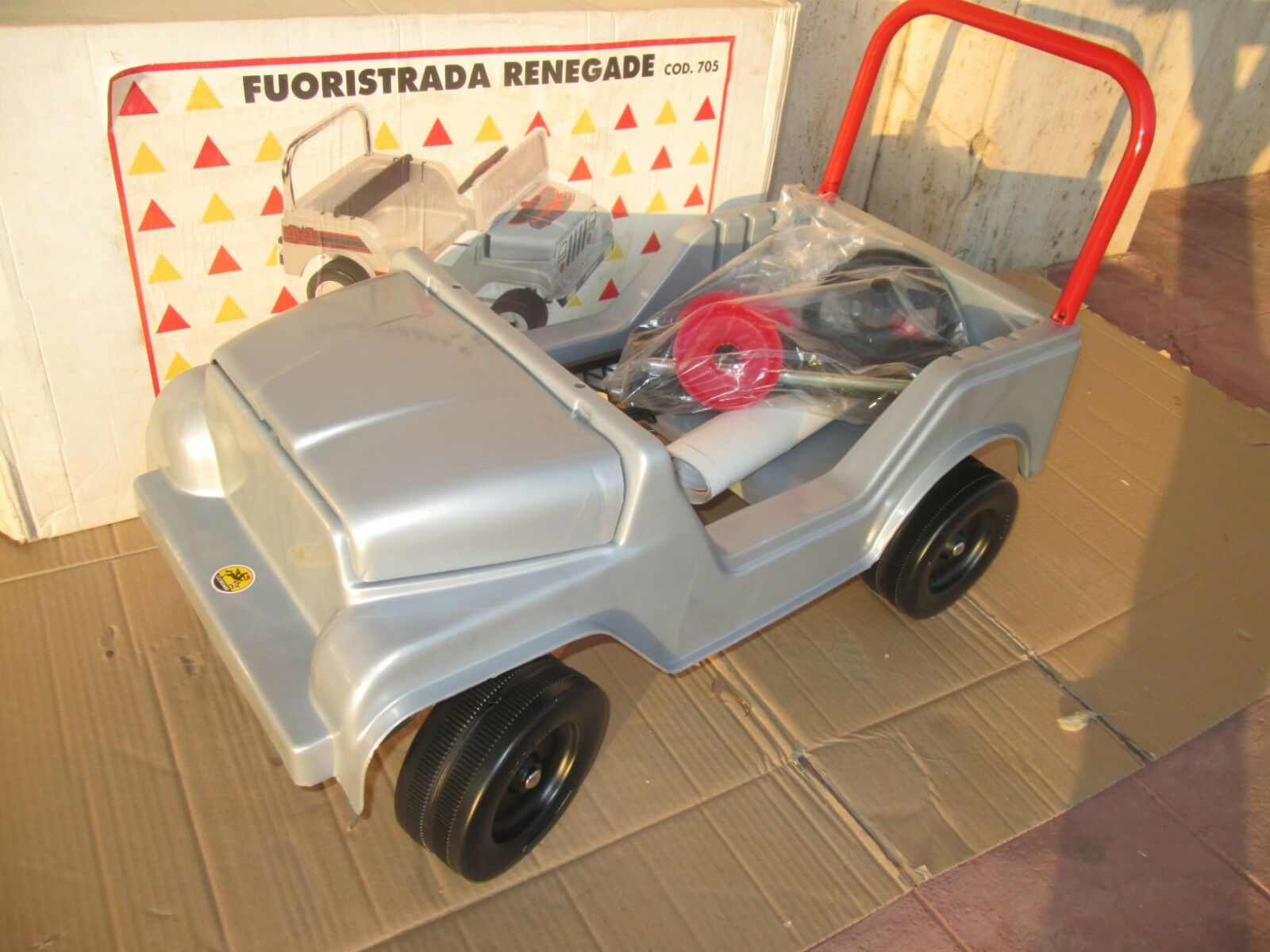 AGOSTINI TOYS FUORISTRA JEEP RENEGADE CJ7 CJ5 A PEDALI pedal car vintage anni 80