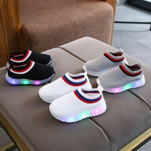 2020 nuevos zapatos deslizantes para niños con Tenis ligero LED Infantil calzado