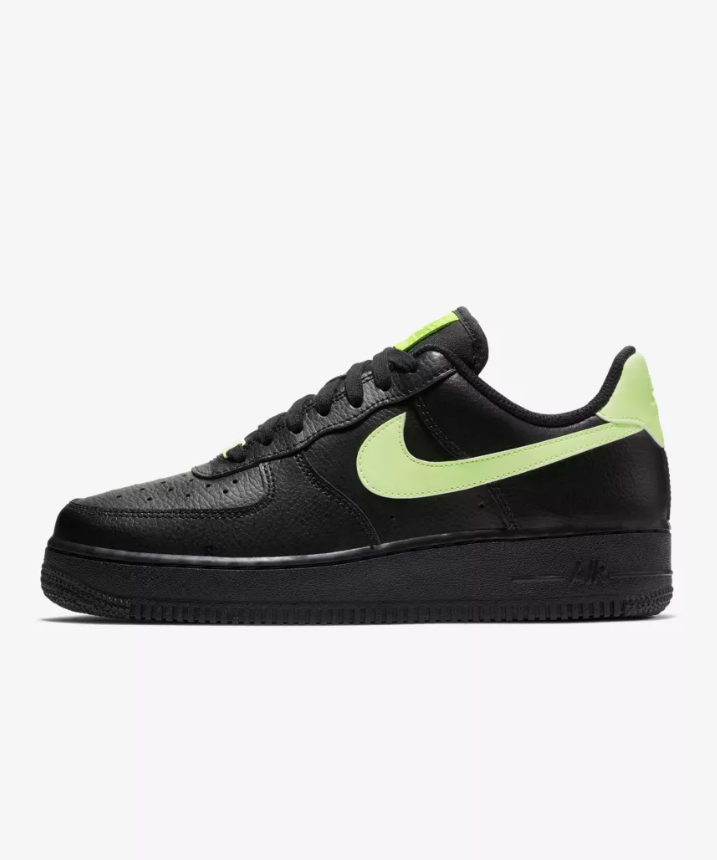 Nike WOMEN'S Air Force 1 1 1 '07 Black Barely Volt SIZE 12 FITS MEN'S 10.5 BRAND NEW 9610de