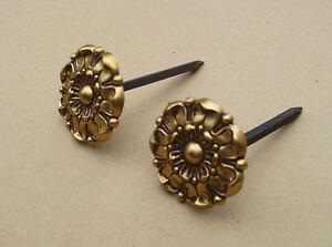 Ancienne paire de rosaces pour tableaux en laiton - cache clous - moyens