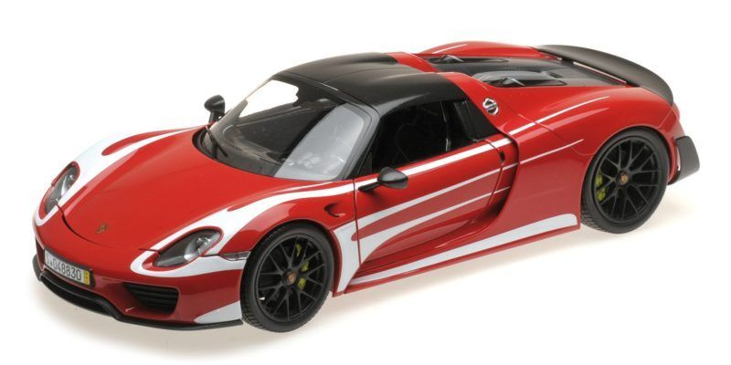 Porsche 918 Spyder 2013 Weissach package rosso with bianca stripes 1 18 Model