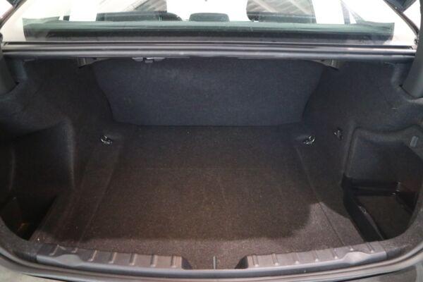 BMW 320d 2,0 aut. billede 9