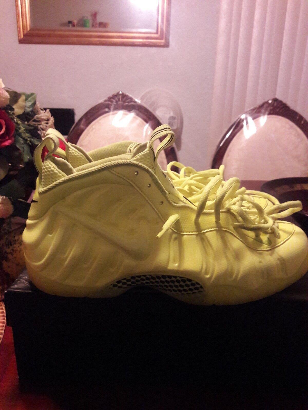 Nike foamposite size 13 neon ( great condition)