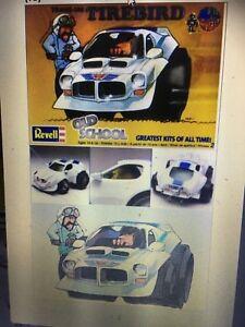 revell-Old-School-Dave-Deal-Trans-Um-Tirebird-Plastic-Model-kit-new-in-the-box