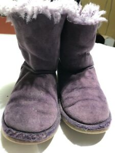 5fc6e2ef41c UGG Australia Girls Purple Bailey Bow Boots Size 1 | eBay