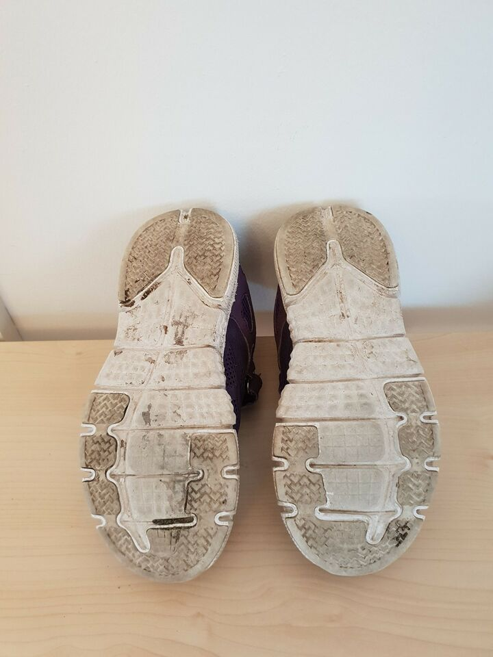 Sneakers, str. 33, Nanok