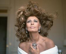 Sophia Loren UNSIGNED photo - P1630 - STUNNING!!!!!