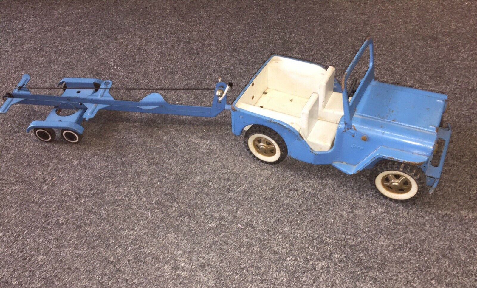 Vintage TONKA JEEP & TRAILOR bluee W Winch WhiteWall Tires V.G. Display As-Is