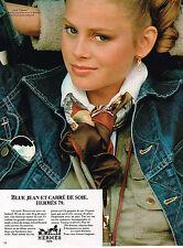 PUBLICITE ADVERTISING 025  1979  HERMES   carré de soie foulard