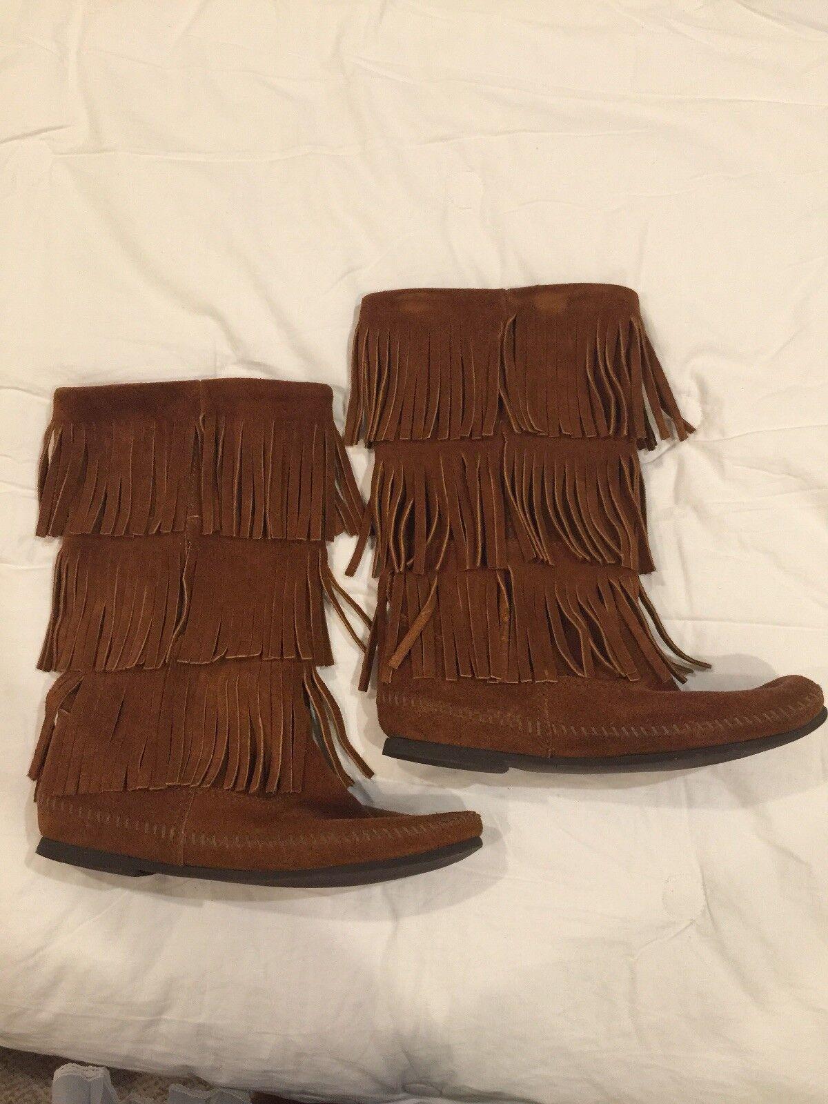 Minnetonka 3 Layer Fringe Boots Brown 9 GUC
