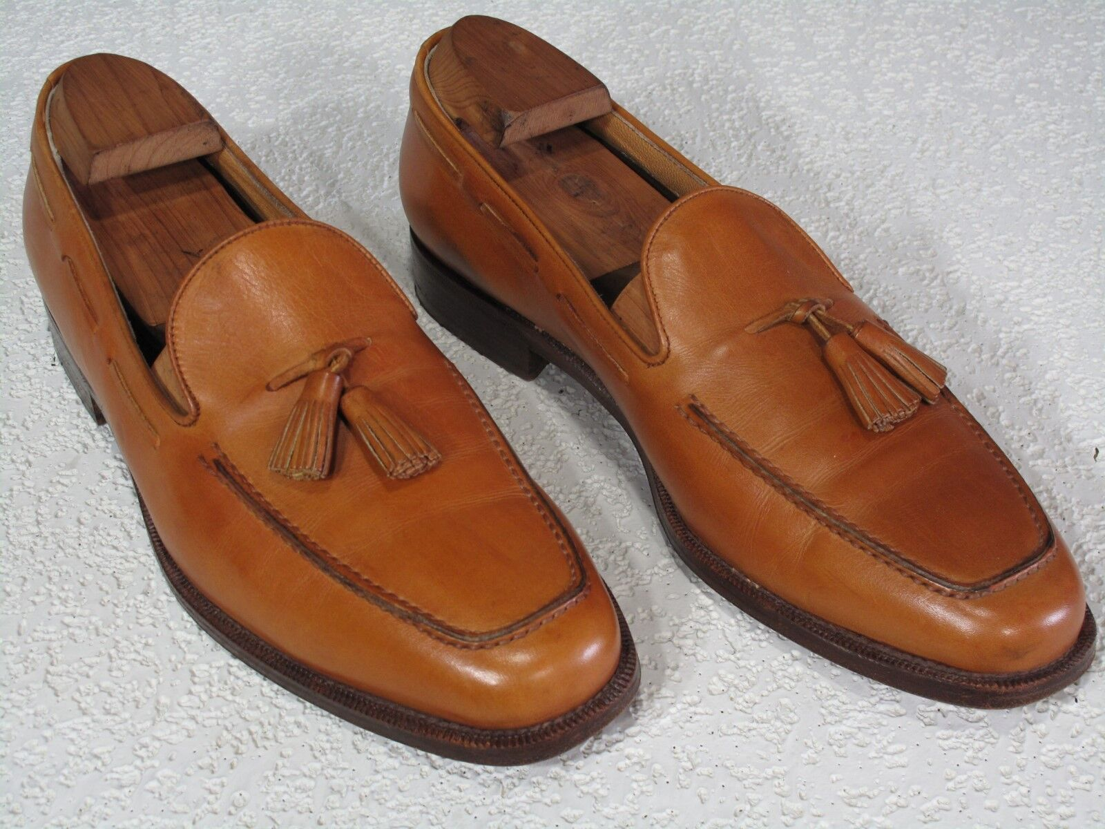 475 BARNEYS New York Cognac Calfskin Tassel Loafers Loafers Loafers Shoes 10.5  Made in Italy cbd5ae