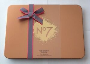 No7-Eye-Shadow-Palette-20-Different-Colour-Eye-Shadows-Discontinued-New