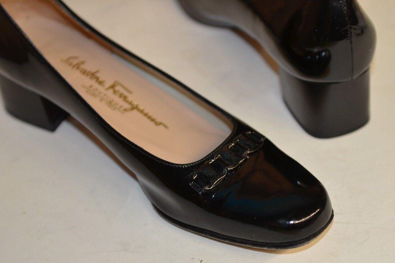 Salvatore Ferragamo Sz 8.5 AA Black Low Block Heel Patent Silver Pump Logo Chain