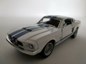 Ford-Mustang-Shelby-GT-500-1967-blanche-bandes-bleues-12-5cm-neuve