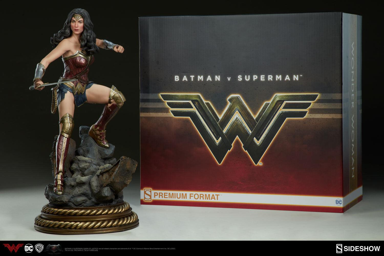 SImostrare Wonder donna DC Batuomo contro Superuomo Dawn of Justice Premium Format cifra
