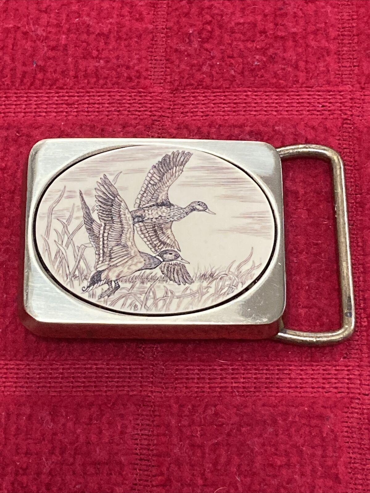 Wisconsin 1983 Duck Hunters Commemorative Belt Buckle by Bergamot Brass Works Flying Ducks Detail