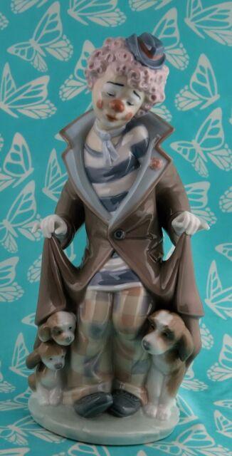 Lladro # 5901 ~  SURPRISE ~ Clown W/Puppies   BUY 1 GET 1 50% OFF