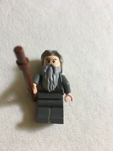 LEGO-Lord-of-the-Rings-Gandalf-the-Grey-Split-From-Set-79005-The-Wizard-Battle