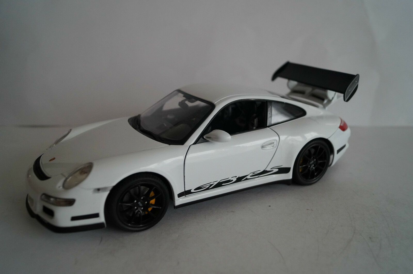 Welly voiture miniature 1 18 porsche 911 gt3 rs Nº 18015