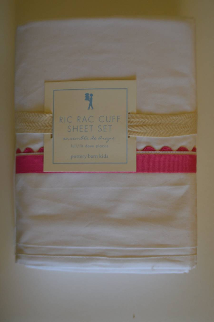 Neuf avec étiquettes POTTERY BARN Kids Ric Rac Manchette FULL SHEET Set Rose Blanc