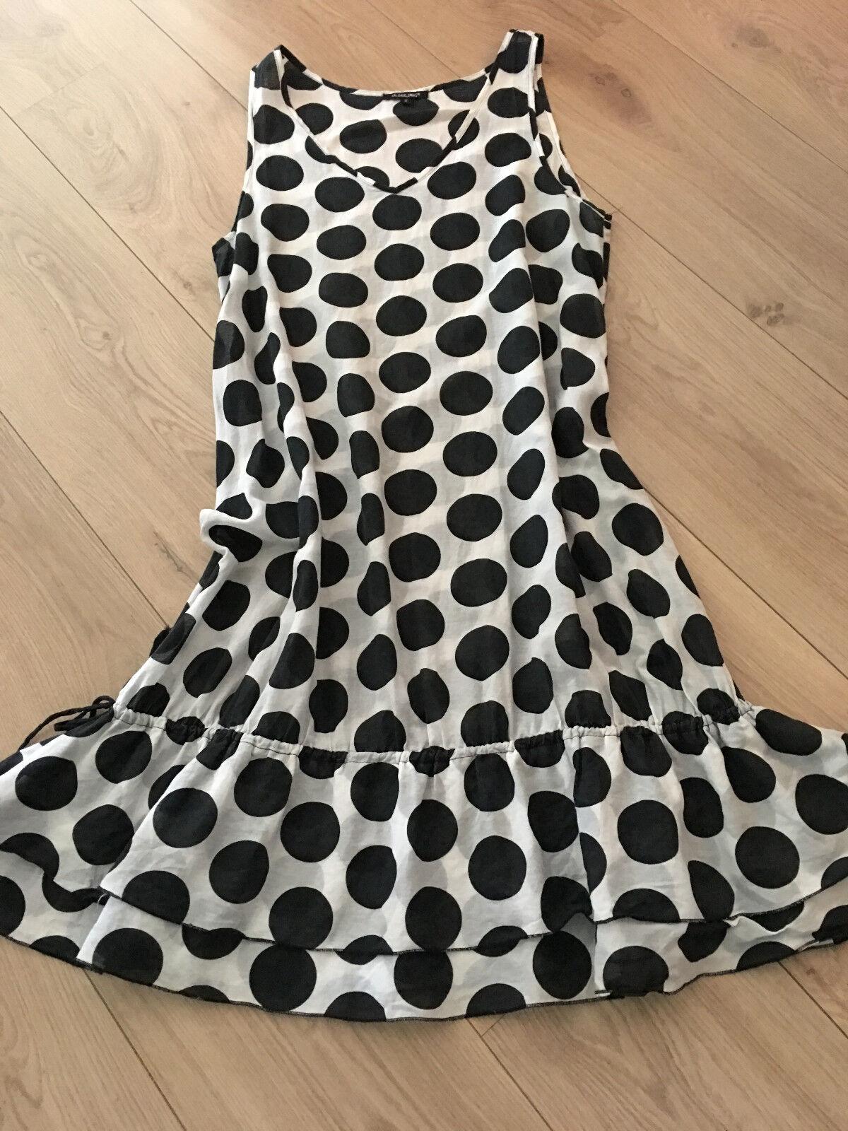 Süsses Kleidchen mit Dots in Schwarz-Weiß v. HEBBEDING m. Stufensaum Gr.2 40 42