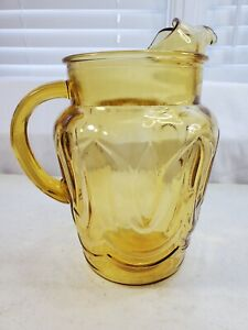 """VTG MCM Yellow Gold Anchor Hocking """"Colonial Tulip"""" Glass Pitcher w/ Ice Lip"""