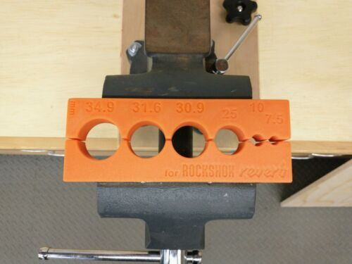 Dropper Post Soft Jaws Vise Block with RockShox Reverb Specific Sizes w//Magnets