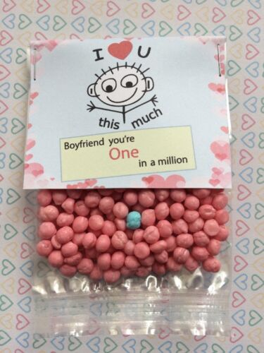 Boyfriend You/'re One In A Million Sweet Gift 40g SOUR Strawberry Millions