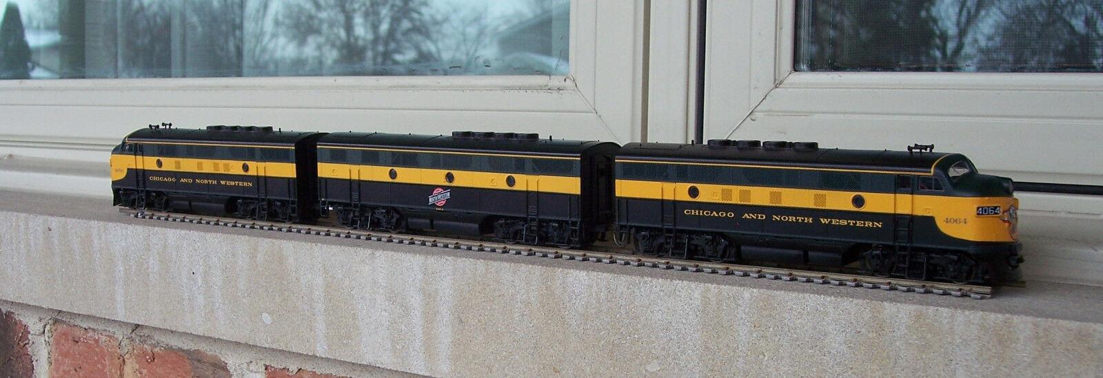 Life-Like C&NW Railroad F-3 A-B-A Set All Powerosso Locomotives HO Scale Kadees