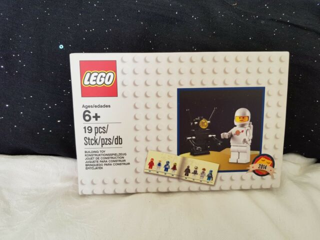 LEGO VIP Classic Space Set 5002812 BNIB & Sealed