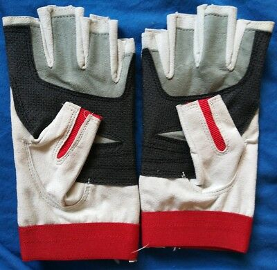 Gloves Sailing Kayak Canoe Ski Kite Board Windsurf Sailboard 3//4 Finger Padded