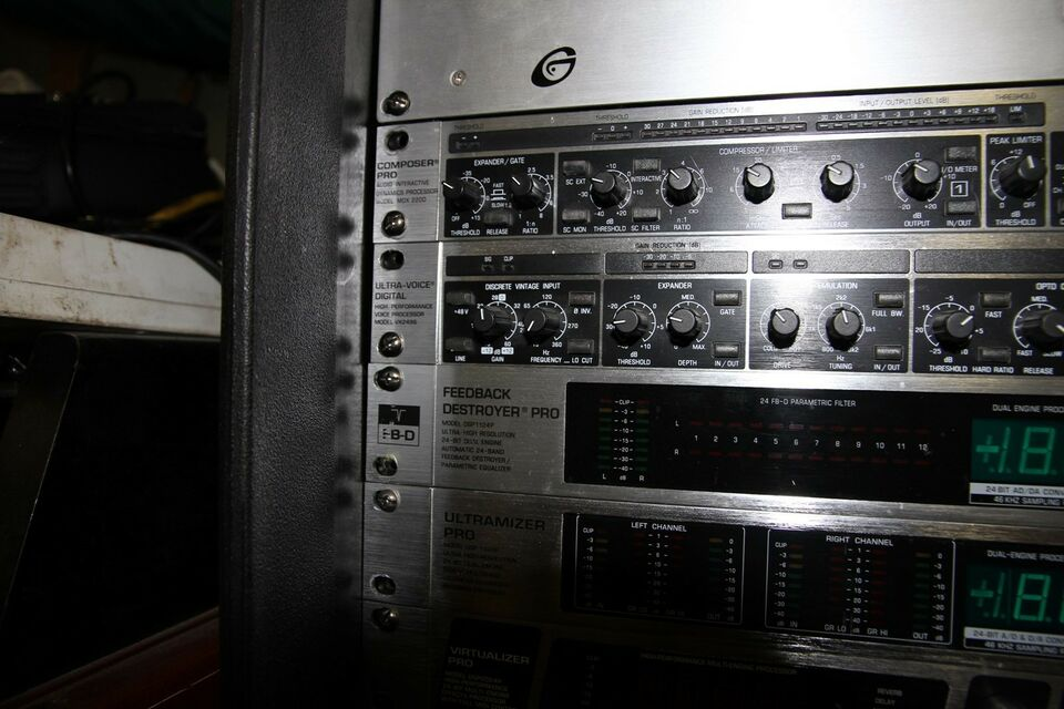 Compressor / Limiter, Behringer MDX 2200