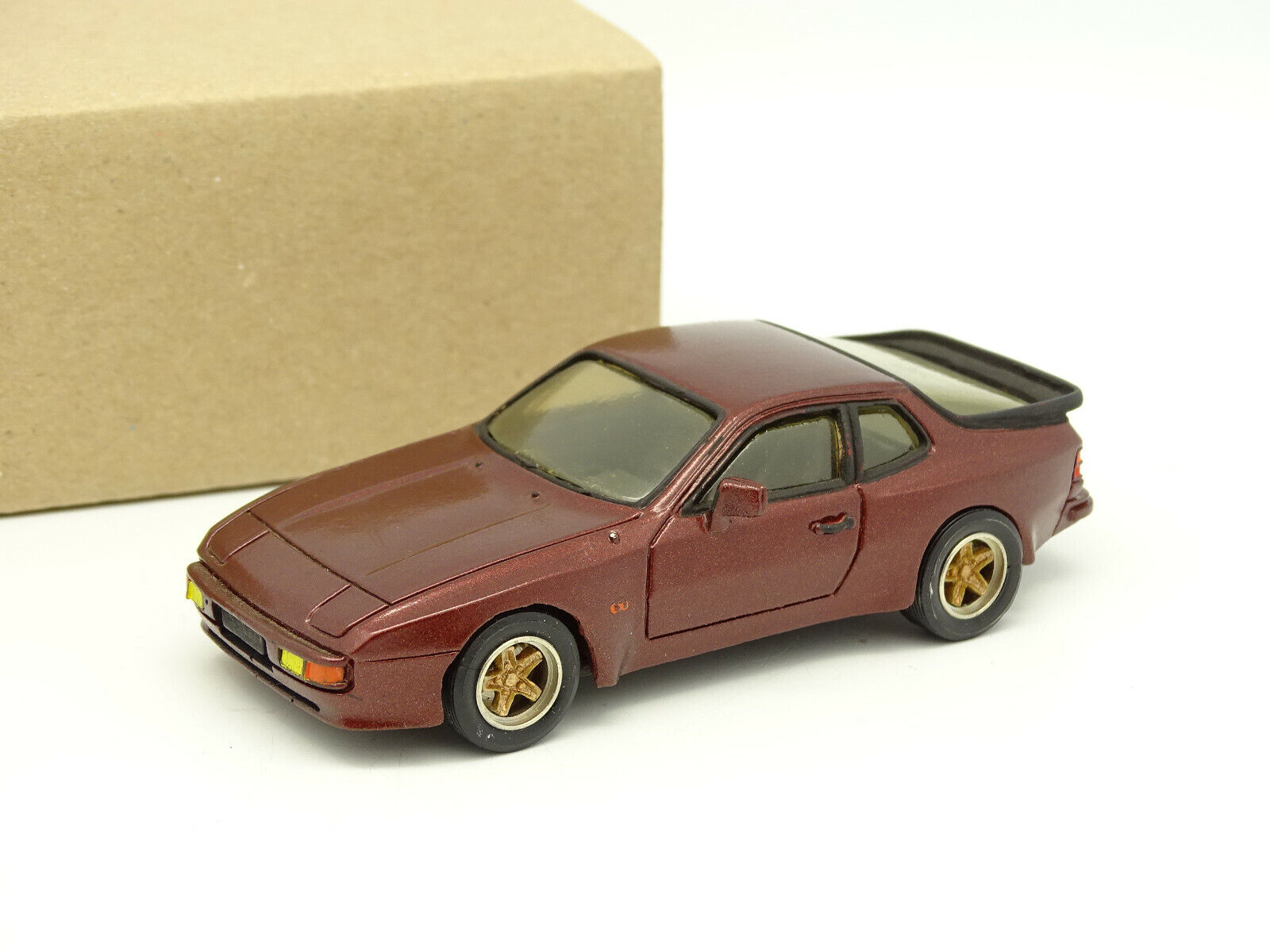 Record-resin kit 1 43 - porsche 944s usa brown metal