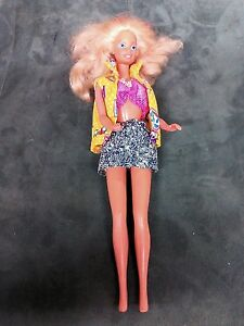 VINTAGE-DRESSED-BLONDE-BARBIE-BENT-BENDABLE-LEG-MATTEL-INC-1966