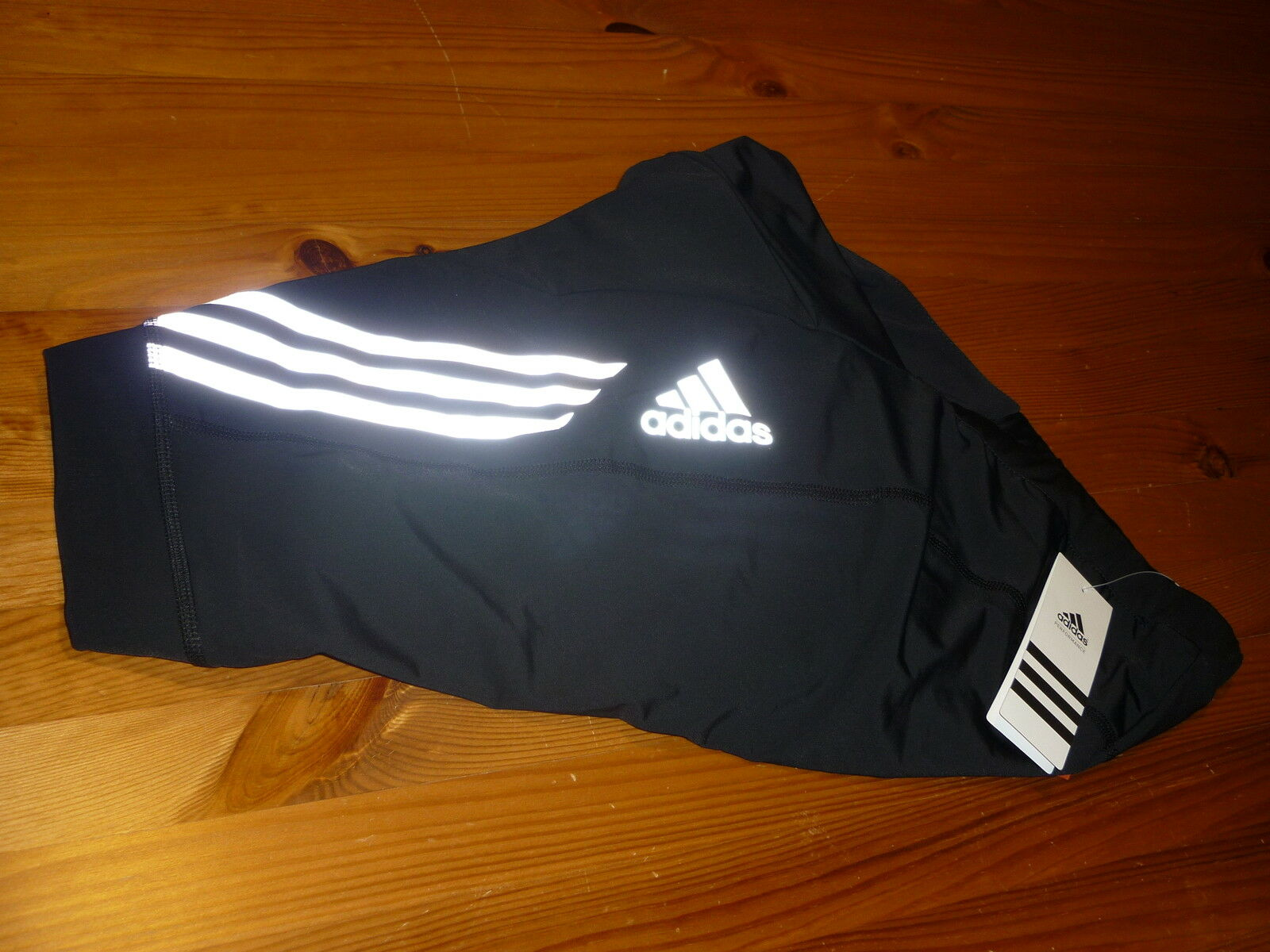 ADIDAS FEMME Cycle Short SUPERNOVA Taille L 16-18 BNWT