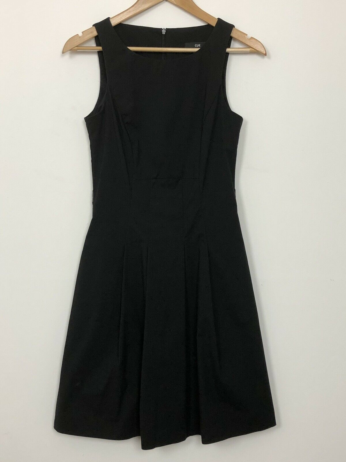 CUE damen schwarz Sleeveless A-Line Pleated Light Weight Workwear Dress Größe 6