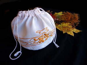 True Antique ARTS AND CRAFTS Embroidered Draw-String Bag White Cloth Purse
