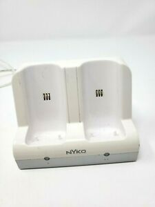 Nyko Charge Station 87000-A50 for Nintendo Wii Controllers