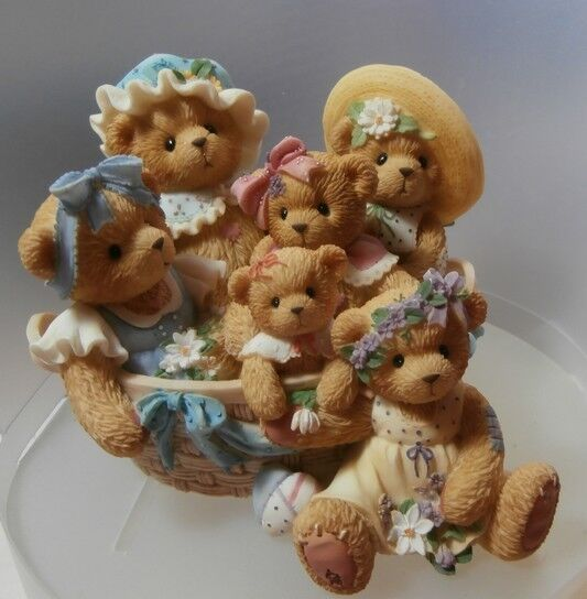 CHERISHED TEDDIE  LOVE PASSES FROM GENERATION  TO GENERATION  789585 MINT IN BOX