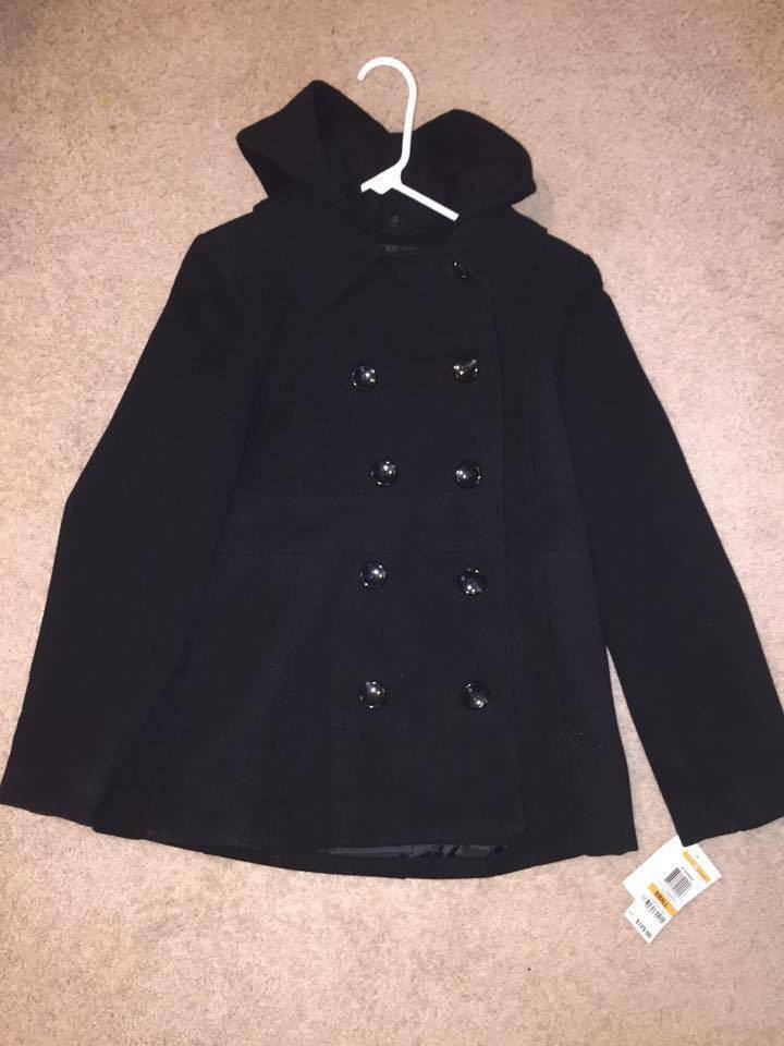 NEW Women's Peacoat Size S (GREAT for Christmas)