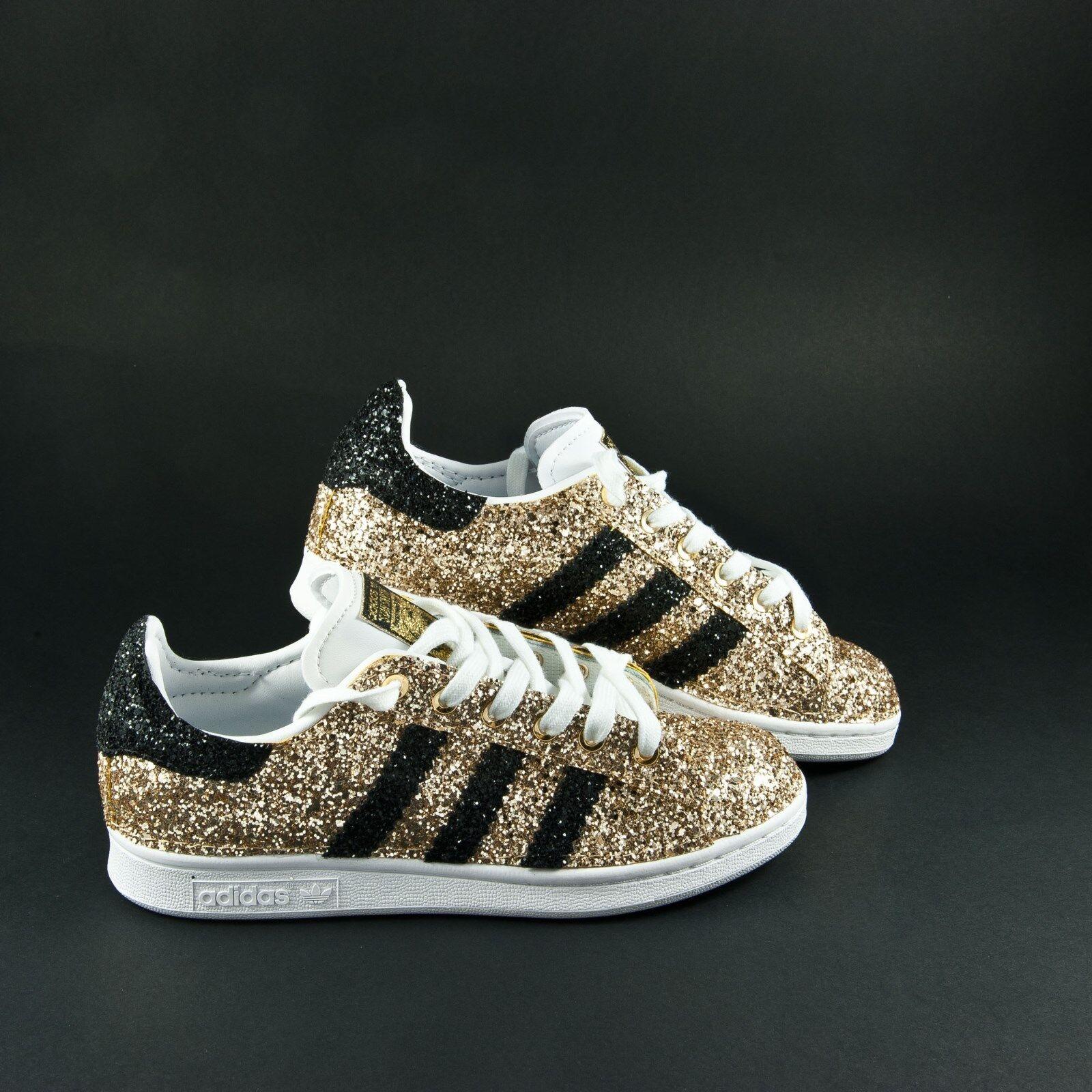 Los últimos zapatos de descuento para hombres y mujeres Barato y cómodo scarpe adidas stan smith  glitter oro e glitter nero anche sulla punta