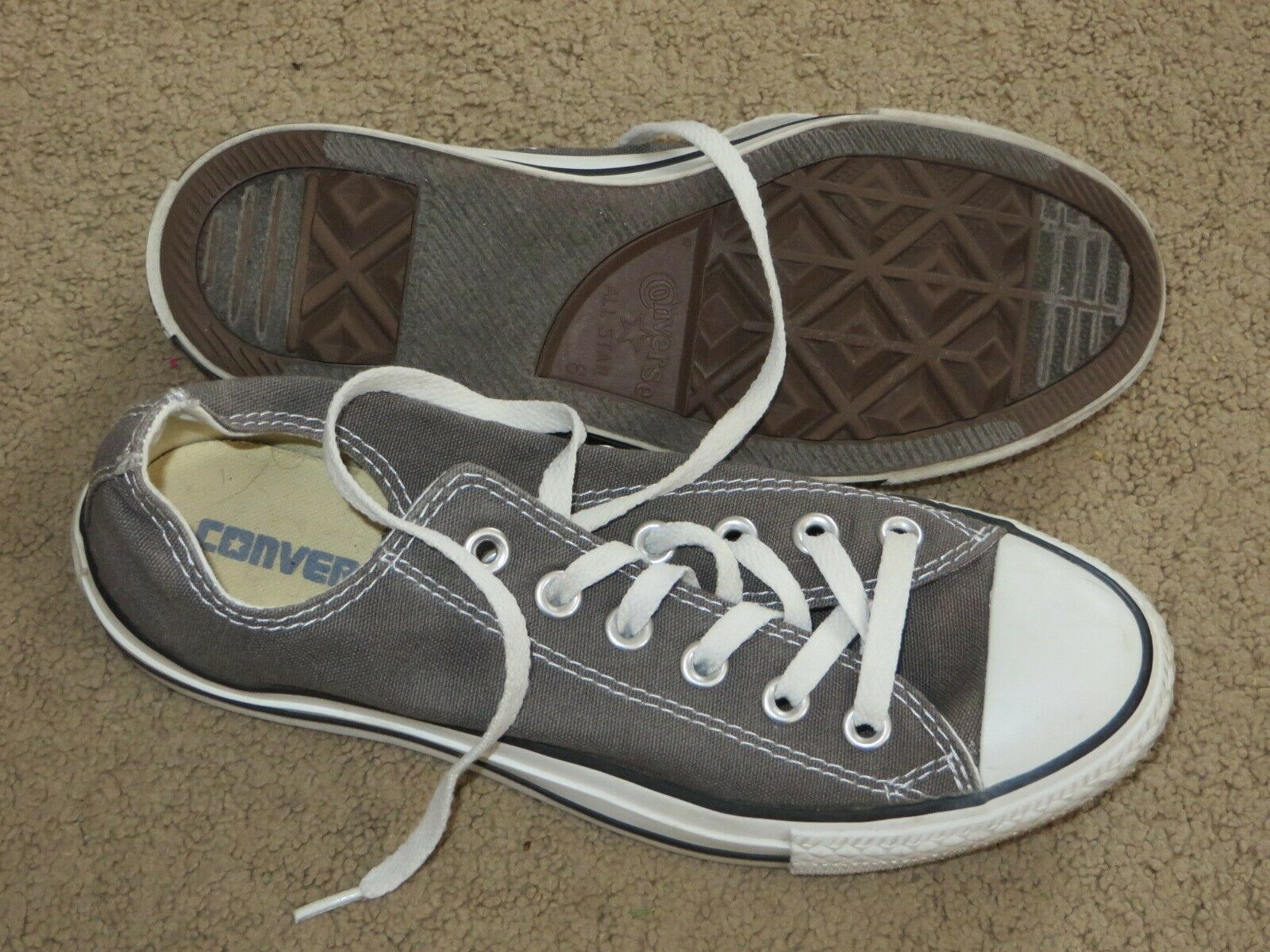 GREAT Converse gray low sneakers / shoes - mens 6 womens 8