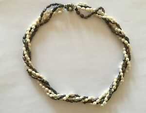 Vintage-4-Strand-2-Colour-River-Pearl-Necklace