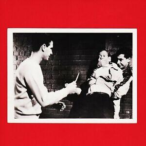 Kinofoto-Szenenbild-19-Allianz-Film-GmbH-034-Entfesselte-Jugend-034-1956-18cm-x-13cm