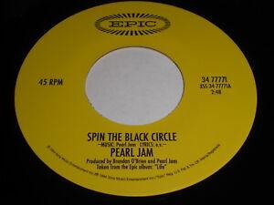 Pearl-Jam-Spin-The-Black-Circle-Tremor-Christ-45