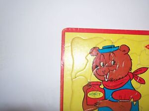 Rare-Built-Rite-16-pc-Frame-Tray-Bonnie-Bear-Picture-Puzzle-Made-In-U-S-A