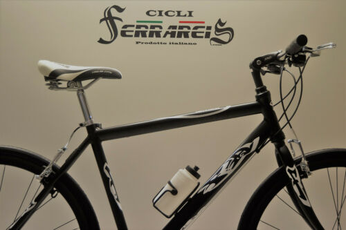 Bicicletta corsa 28 ibrida nera uomo shimano 21v in alluminio nera grigia person