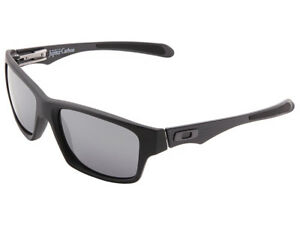 Oakley-Jupiter-Carbon-Sunglasses-OO9220-02-Matte-Black-Black-Iridium