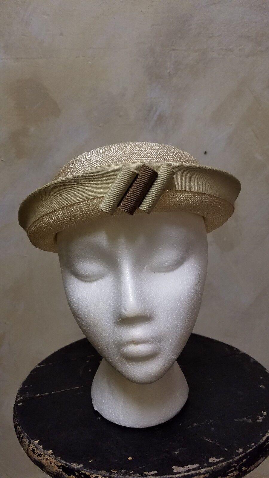 Vintage Ladies 1930s - 40s Tan Beige Brown Straw … - image 1