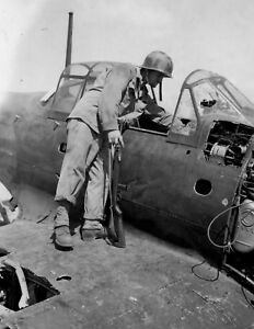 WWII-photo-defeated-Japanese-fighter-A6M5-034-Zero-034-world-war-41b